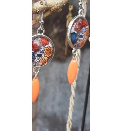 """Boucles d'oreilles ethniques """"les classiques de Lyly"""" avec décorations breloques et perles"""